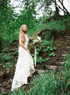 This magical forest wedding inspiration shoot was uniquely created by a team of photographers and hosts of The Cultivated Artist workshop.  #minimalistbrides  #organicbridalinspiration  #outdoorweddingphotography