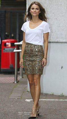Keri Russell Tames Her Wild Saint Laurent Skirt with a Basic White T-Shirt - The Fashion Spot   Ador
