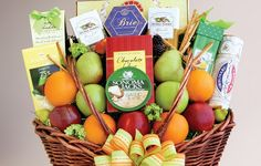 Turn your talent into a hot new business with a gift basket service.
