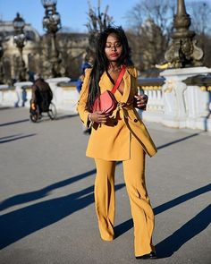 Yellow Suit French Trends