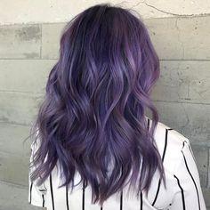 The index of hair: photo short purple hair, hair color purple, spring hair Hair Color Purple, Cool Hair Color, Dope Hairstyles, Pretty Hairstyles, Hair Inspo, Hair Inspiration, Dye My Hair, Grunge Hair, Ombre Hair