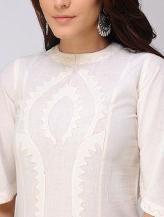 Ivory Mangalgiri Kurta with Applique Work Kurti Neck Designs, Dress Neck Designs, New Kurti, Indian Outfits, Indian Clothes, Kurta With Pants, Hand Embroidery Videos, Mode Chic, Cut Work