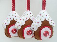 Decorazioni natalizie fai da te con il feltro - Casette coperte di neve