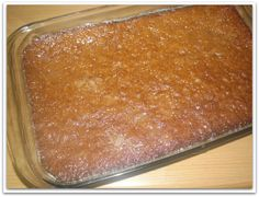 Malva Pudding is a traditional South-African, sticky, sweet, divine dessert and unbelievably easy to make using all standard pantry ingredients. Pudding Recipes, My Recipes, Sweet Recipes, Baking Recipes, Dessert Recipes, Recipies, South African Desserts, South African Recipes, Yummy Treats