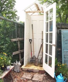Mom Scatters Gravel In Her Tiny Backyard. When She Adds The Next Layer...LOVELY! - Answers.com