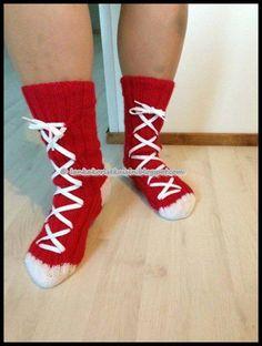 Tennarisukista 'mun' versio :)  #tennarisukat #woolsocks #villasukat #knitting #neulominen #novita Womens Wool Socks, Knitting Ideas, Villa, Fashion, Moda, Fashion Styles, Fasion, Villas