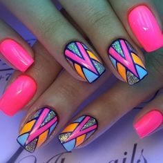 Bright Colored Nails are fun and most of the time very creative. Bright Colored Nails are fun a. Neon Nail Art, Colorful Nail Art, Neon Nails, Love Nails, Bright Nail Art, Aztec Nails, Geometric Nail Art, Blue Nail, Purple Nails