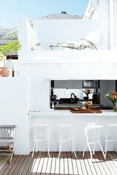 Indoor-Outdoor Serving Bar in white - irresistible