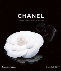 [Free eBook] Chanel, Collections and Creations, Author : Daniele Bott Best Coffee Table Books, Cool Coffee Tables, Megan Hess, Chanel No 5, Anna Wintour, Book Cover Design, Book Design, Karl Lagerfeld, Yves Saint Laurent