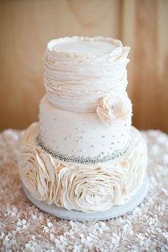 Wedding cake idea; Featured Photographer: Heather Roth Fine Art Wedding Photography
