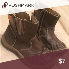 Brown toddler boy boot Brown boot with zip side. Toes on boot has some wear.. Price reflects condition. Size toddler boy 8 Shoes Boots
