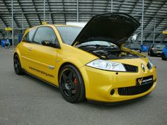 Renault Megane Megane R26, Megane Sport, Renault Sport, Renault Megane, Nissan Infiniti, Car Engine, Madness, Gears, Automobile