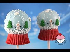 Winter Wonderland Cake Pops! Make Snow Globe Cakepops - Learn how to make these delicious treats, and heaps more at Mycupcakeaddiction!