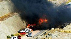 """Araçlar cayır cayır yandı! Bakanlıktan açıklama  """"Araçlar cayır cayır yandı! Bakanlıktan açıklama"""" http://fmedya.com/araclar-cayir-cayir-yandi-bakanliktan-aciklama-h21625.html"""