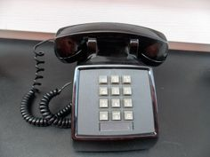 Vintage AT & T AT&T ATT BLACK Touch Tone Telephone Phone PUSH BUTTON
