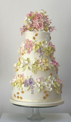 Bees and Blossoms wedding cake - Rosalind Miller cakes