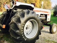 White Tractor, Truck Pulls, Classic Tractor, Rubber Tires, Heavy Equipment, Farming, Agriculture, Tractors, Monster Trucks