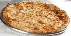 Focaccia, alebo čisté cesto na pizzu. Tento recept je jednoduchý. Obsahuje iba múku, olivový olej, soľ, droždie a vodu. Cesto na pizzu pripravíme tradične.
