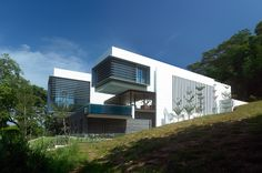 LAKESHORE VIEW Residence in Sentosa, Singapore by SCDA Architects