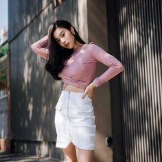 Thai Model, Blackpink Jennie, Judo, Ulzzang Girl, Kpop Girls, Asian Beauty, Asian Girl, White Shorts, Poker