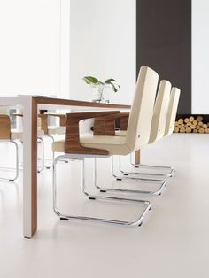 620 dining chair with walnut arm