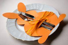 DIY Easter bunny Cutlery Bags, Velikonoční dekorace na stůl #Easter #DIY #eggs #ideas #Craft ideas #decorations #Home decor #projects #paper #Easy #Deko #tutorials #pattern #Creative #forkids #bunny #pocket #bags #návod #popis #postup nápady  #Velikonoce #Velikonoční #dekorace #tvoření #sdětmi #stůl #výroba #vyrábění #inspirace #z papíru #návod #věnec #králík #zajíček #zajíc