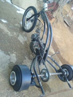 Drift trike motorizado 100cc motor DAFRA Tricycle Bike, Trike Motorcycle, Drift Kart, Drift Trike Frame, Drift Trike Motorized, Homemade Go Kart, Electric Trike, Diy Go Kart, Custom Hot Wheels
