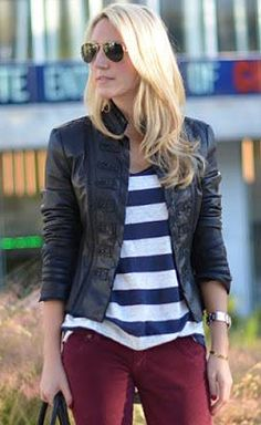 navy stripes / burgundy jeans / leather jacket / outfit // 26 Ways to Wear Plum or Burgundy Jeans