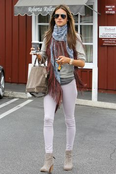 Alessandra Ambrosio - Alessandra Ambrosio Makes a Coffee Run in LA