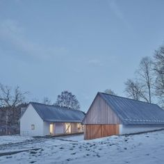 Machar Teichman . House with a Barn . STARE BRISTE (1)