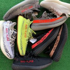 Adidas collection Comment your favourite Mens Street Style Shoes, Mens Fashion Shoes, Sneakers Fashion, Shoes Style, Fashion Outfits, Yeezy Womens, Streetwear, Yeezy Fashion, Pantalon Cargo