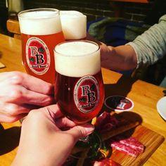 ビール好きの同僚たちとベアードのタップルームへ社畜Kくんも無事合流できましたとさ
