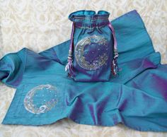 Hey, I found this really awesome Etsy listing at https://www.etsy.com/listing/266355269/made-to-order-waning-moon-tarot-pouch
