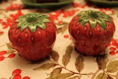 Strawberry salt & pepper set
