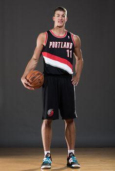Meyers Leonard...MY #1 reason to watch the NBA. Even sports my favorite #11. GO BLAZERS!!!
