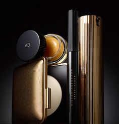 VB X ESTEELAUDER Autumn/Winter 2017. The sumptuous elegance of Victoria's style is clear from packaging and shade selection.