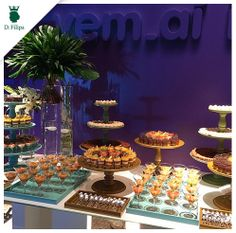 Linda mesa de #minisobremesas no #coquetel da Vivi Barros Buffet. Peças #dfilipa
