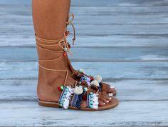 Legare i sandali gladiatore sandali greci Pom Pom Sandali Sandali Gladiatore bcdf3bfdc91