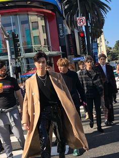 Oof Johnny lookin like a whole ass fashionista/model strutting down a runway. We love a fashion king Nct Johnny, Johnny Seo, K Pop, Flaunt Magazine, Rapper, Young K, Jaehyun Nct, Jung Woo, Fandoms
