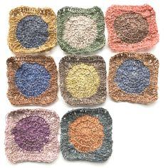 Over bloemetjes en Sophie Digard Crochet Mandala Pattern, Crochet Motifs, Crochet Blocks, Freeform Crochet, Crochet Squares, Crochet Granny, Crochet Yarn, Crochet Patterns, Knit Purl Stitches