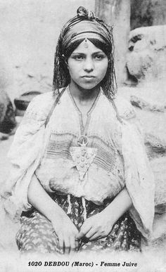 Goldscheider, Vintage Gypsy, Vintage Beauty, Tribal People, Photographs Of People, North Africa, World Cultures, African Women, Vintage Photos