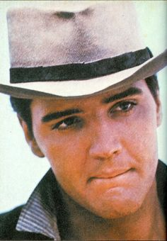 """A wonderful shot of Elvis from the film, """"Love Me Tender"""".He made the memorable and enjoyable. Still missed. I think this shows how well he could act when given the chance. Elvis Presley Movies, Elvis Presley Photos, Lisa Marie Presley, Priscilla Presley, Rock And Roll, Young Elvis, Raining Men, Graceland, Good Looking Men"""