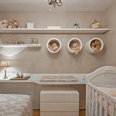 ❤️❤️ Adorei a bancada e o módulo solto embaixo fazendo as vezes de cômoda! Baby Bedroom, Baby Room Decor, Nursery Room, Dream Bedroom, Kids Bedroom, Cafe Interior, Interior Design Living Room, Modern Bedroom Furniture, Bathroom Kids