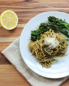 Check out this delish Pesto Pasta from our friends at Big Girls Small Kitchen! Healthy Cooking, Healthy Eating, Healthy Recipes, Pasta Dishes, Food Dishes, Homemade Pesto Sauce, Wheat Pasta, Dinner Entrees, Pesto Pasta