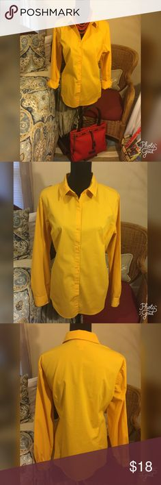Worthington Stretch Gold Blouse This gold blouse is in excellent preowned condition and perfect for your fall wardrobe. It is a Cotton/Poly/Spandex blend. It is labeled size 18. Worthington Tops Blouses