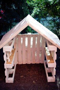Pallet playhouse Play houses Backyard playground Backyard sheds Garden Back Garden Huts, Garden Shed Diy, Backyard Sheds, Backyard Playground, Garden Pallet, Pallet Patio, Outdoor Pallet, Playground Ideas, Garden Club