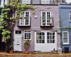 London is... ...the most beautiful streets of Notting Hill.