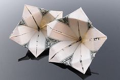 "Origami artist Craig Folds Five uses pricey paper for his artwork, the U. Craig Folds Five is a ""money folder"", a specific type of origami Folding Money, Origami Paper Folding, Origami And Kirigami, Origami Fish, Origami Love, Origami Design, Origami Stars, Origami Ball, Oragami"