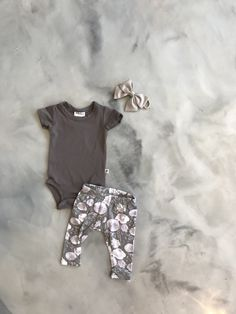 Jax&Lennon Newborn collection with a golden butterfly bow 😍 Must Haves, Children, Kids, Bow, Butterfly, Clothing, Fashion Trends, Collection, Style