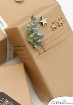 Are you ready for the 40 best DIY gift wrapping ideas for Christmas? Here they are … wrapping gifts in kraft paper Are you ready for the 40 best DIY gift wrapping ideas for Christmas? Here they are … wrapping gifts in kraft paper Present Wrapping, Creative Gift Wrapping, Wrapping Ideas, Creative Gifts, Wrapping Papers, Diy Wrapping Paper, Christmas Gift Wrapping, Best Christmas Gifts, Christmas Diy